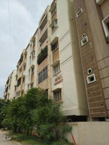 Gallery Cover Image of 1235 Sq.ft 2 BHK Apartment for rent in Shivas Residency, Puppalaguda for 18000