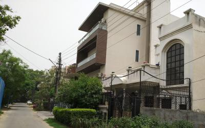 Gallery Cover Image of 1600 Sq.ft 4 BHK Independent Floor for rent in DLF City Phase 1, DLF Phase 1 for 55000