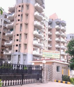 Gallery Cover Image of 2000 Sq.ft 3 BHK Apartment for buy in Technocrat CGH Society, Sector 56 for 14000000