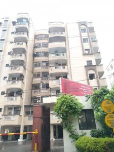 Gallery Cover Image of 2200 Sq.ft 3 BHK Apartment for buy in CGHS Park Royal Apartment, Sector 56 for 15000000
