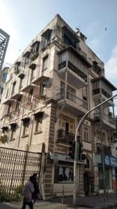 Gallery Cover Image of 700 Sq.ft 1 BHK Apartment for rent in Gyaneswar Apartments, Prabhadevi for 55000