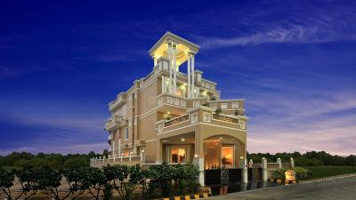 Gallery Cover Image of 6940 Sq.ft 4 BHK Villa for buy in Supertech Cape Villa, Sector 74 for 48500000