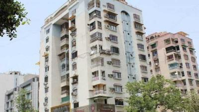 Gallery Cover Image of 1005 Sq.ft 3 BHK Apartment for rent in Hari Om Tower, Ellisbridge for 30000