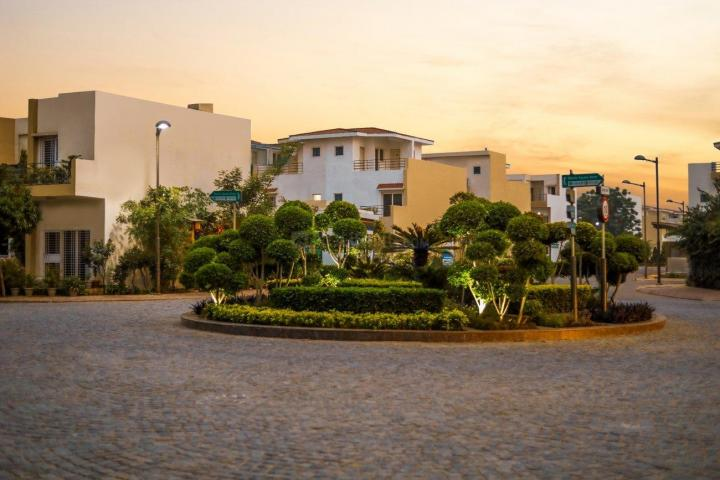 Gallery Cover Pic of Paramount Golfforeste Villas