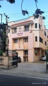 Gallery Cover Image of 1200 Sq.ft 3 BHK Apartment for buy in Narayana Apartment, Old Pallavaram for 6000000