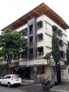 Gallery Cover Image of 675 Sq.ft 1 BHK Apartment for buy in Barkha Apartment, Airoli for 6200000