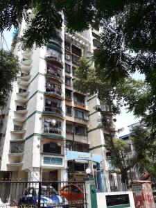 Gallery Cover Image of 2000 Sq.ft 4 BHK Apartment for rent in Giriraj, Vashi for 70000