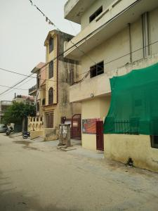 Gallery Cover Image of 575 Sq.ft 2 BHK Independent Floor for rent in Sanjay Gram, Sector 13 for 15000