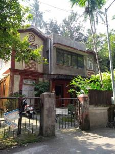 Gallery Cover Image of 750 Sq.ft 1 BHK Apartment for rent in Kismet, Bandra West for 90000