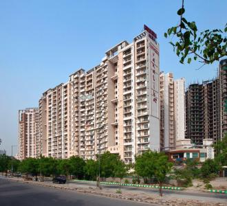 Gallery Cover Image of 1405 Sq.ft 3 BHK Apartment for buy in Sunworld Vanalika, Sector 107 for 7900000