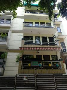 Gallery Cover Image of 1400 Sq.ft 3 BHK Independent Floor for rent in C Block RWA Kailash Colony, Greater Kailash I for 38000