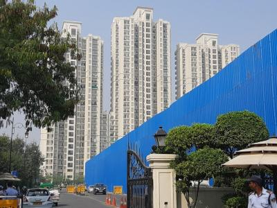 Gallery Cover Image of 354 Sq.ft 1 BHK Apartment for rent in DLF  Apartment, Moti Nagar for 25000