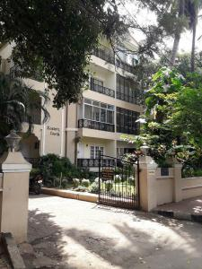 Gallery Cover Image of 1800 Sq.ft 2 BHK Apartment for rent in Eastern Court Apartment, Frazer Town for 40000