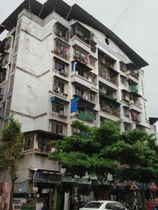 Gallery Cover Image of 600 Sq.ft 1 BHK Apartment for rent in Yashraj Complex Cooperative Housing Society, Kamothe for 11500