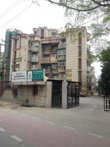 Gallery Cover Image of 1200 Sq.ft 2 BHK Apartment for buy in Varun Apartments, Sector 62 for 6800000
