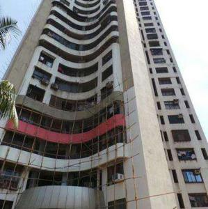 Gallery Cover Image of 1750 Sq.ft 3 BHK Apartment for rent in Maharaja Retreat CHS, Goregaon East for 62500