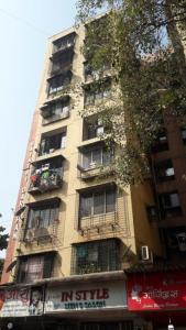 Gallery Cover Image of 1400 Sq.ft 3 BHK Apartment for rent in Gayatri Darshan, Kandivali East for 36000