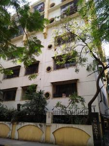 Gallery Cover Image of 550 Sq.ft 1 BHK Apartment for rent in Om Shanti, Dadar West for 40000