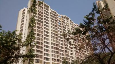 Gallery Cover Image of 1400 Sq.ft 3 BHK Apartment for buy in Raheja Serenity, Kandivali East for 22000000