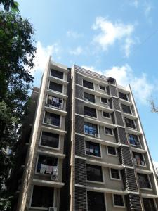 Gallery Cover Image of 550 Sq.ft 2 BHK Apartment for rent in Malad Ganga CHS, Malad West for 6500