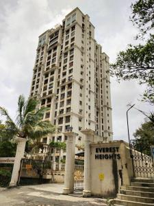 Gallery Cover Image of 2700 Sq.ft 3 BHK Apartment for rent in Everest Heights, Powai for 90000