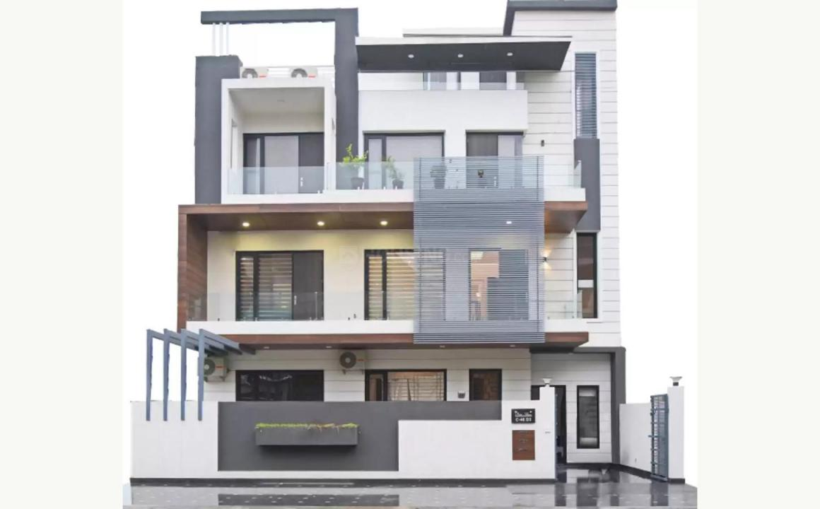Gallery Cover Pic of WhiteHousz Floors 1