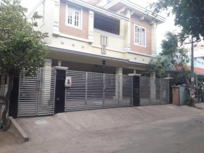 Gallery Cover Image of 750 Sq.ft 2 BHK Apartment for rent in Anand Apartments, Adyar for 19000