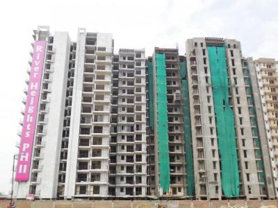 Gallery Cover Image of 650 Sq.ft 1 BHK Apartment for rent in Land Craft River Heights, Raj Nagar Extension for 6000
