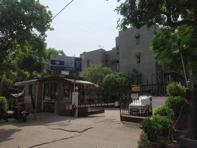 Gallery Cover Image of 650 Sq.ft 1 RK Apartment for rent in Paryatan Vihar, Vasundhara Enclave for 14000