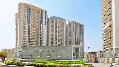 Gallery Cover Image of 3065 Sq.ft 4 BHK Apartment for rent in DLF The Belaire, Sector 54 for 86000