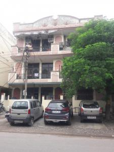 Gallery Cover Image of 1350 Sq.ft 3 BHK Independent House for rent in Plot 6, Shakti Khand for 16500
