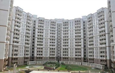 Gallery Cover Image of 300 Sq.ft 1 RK Apartment for buy in Ramprastha The View, Sector 37D for 600000
