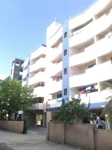 Gallery Cover Image of 639 Sq.ft 2 BHK Apartment for buy in Chhajed Orange Habitat, Mundhwa for 4500000