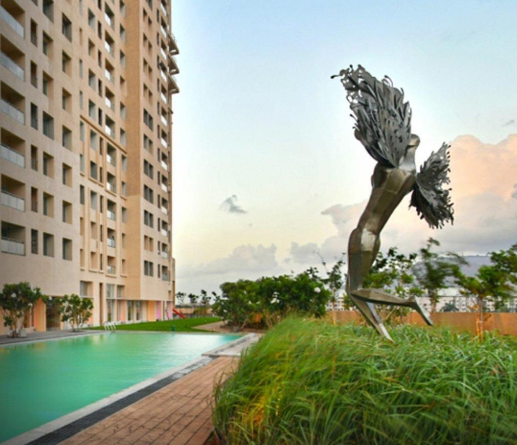 Gallery Cover Pic of Rustomjee Urbania Azziano Wing L