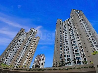 Gallery Cover Image of 1080 Sq.ft 2 BHK Apartment for buy in Oberoi Parkview, Kandivali East for 25500000
