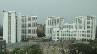 Gallery Cover Image of 500 Sq.ft 1 BHK Apartment for rent in Godrej The Trees, Vikhroli East for 45000