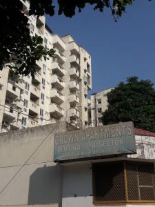 Gallery Cover Image of 2000 Sq.ft 3 BHK Apartment for rent in Crown Residency, Palam for 32000