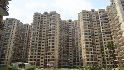 Gallery Cover Image of 1010 Sq.ft 2 BHK Apartment for buy in La Residentia, Noida Extension for 3350000