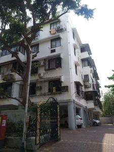 Gallery Cover Image of 750 Sq.ft 1 RK Apartment for rent in Rock House, Worli for 52500