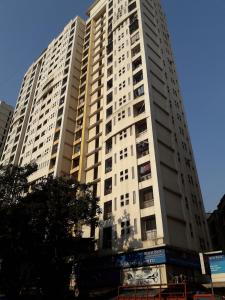 Gallery Cover Image of 1400 Sq.ft 3 BHK Apartment for rent in Shah Arcade II, Malad East for 42300