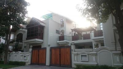 Gallery Cover Image of 2500 Sq.ft 3 BHK Villa for rent in Uppal Southend, Sector 49 for 48000