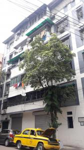 Gallery Cover Image of 900 Sq.ft 2 BHK Independent Floor for buy in Anamika Building, Bhowanipore for 300000