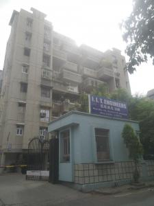 Gallery Cover Image of 1800 Sq.ft 3 BHK Apartment for rent in IIT Apartments, Sector 10 Dwarka for 32000