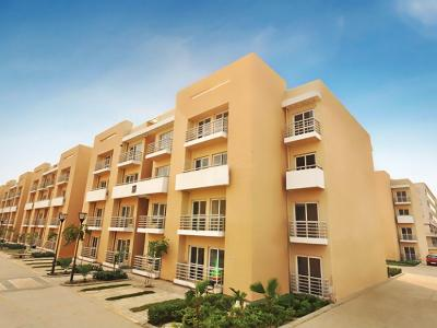 Gallery Cover Image of 950 Sq.ft 3 BHK Independent Floor for buy in BPTP Park Floors II, Sector 76 for 3800000