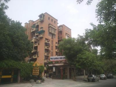 Gallery Cover Image of 2400 Sq.ft 3 BHK Apartment for rent in The Eligible, Sector 10 Dwarka for 40000