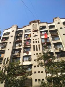 Gallery Cover Image of 580 Sq.ft 1 BHK Apartment for buy in Hari Om Apartment, Borivali West for 9800000