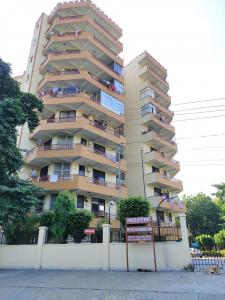 Gallery Cover Image of 2250 Sq.ft 4 BHK Apartment for rent in Shivalik Apartment, Sector 46 for 26000