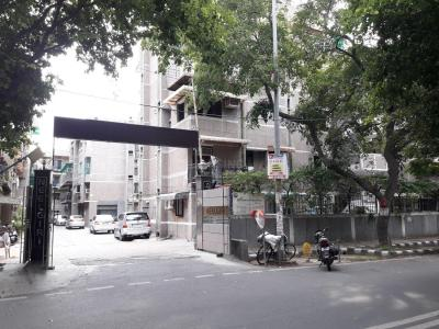 Gallery Cover Image of 900 Sq.ft 2 BHK Apartment for rent in CGHS Neelgiri Apartment, Sector 9 Rohini for 23000
