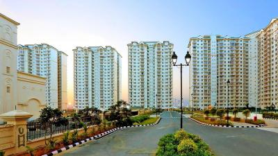 Gallery Cover Image of 1559 Sq.ft 3 BHK Apartment for rent in DLF Gardencity, Semmancheri for 20000