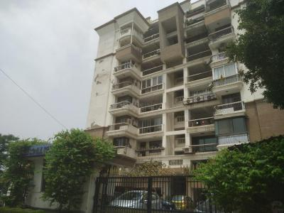Gallery Cover Image of 2100 Sq.ft 3 BHK Apartment for buy in Park Royal Residency, Sector 21 for 23500000
